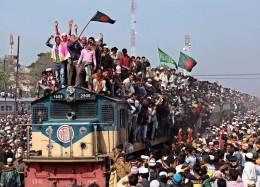 孟加拉国乘坐火车回家