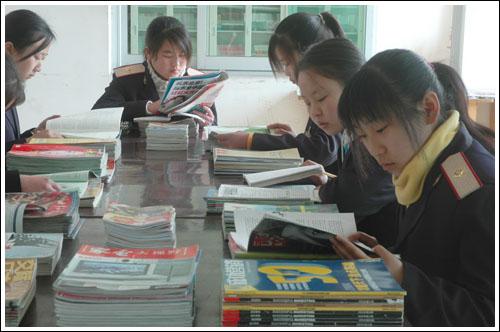 铁路技校图书馆学习 电子商务专业介绍 中专中技