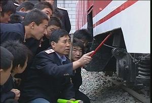 石家庄铁路技校实训课 选择中专学校应该注意什么 常见问题 第5张