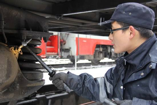 111.jpg 石家庄铁路学校2020年铁道车辆运用与检修专业学费多少? 常见问题